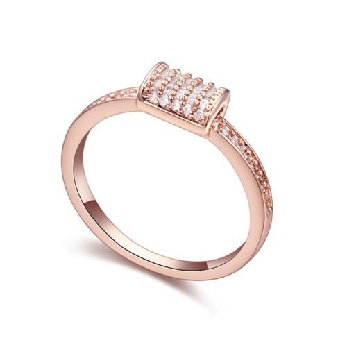 Кольцо с кристаллами Сваровски, модная бижутерия