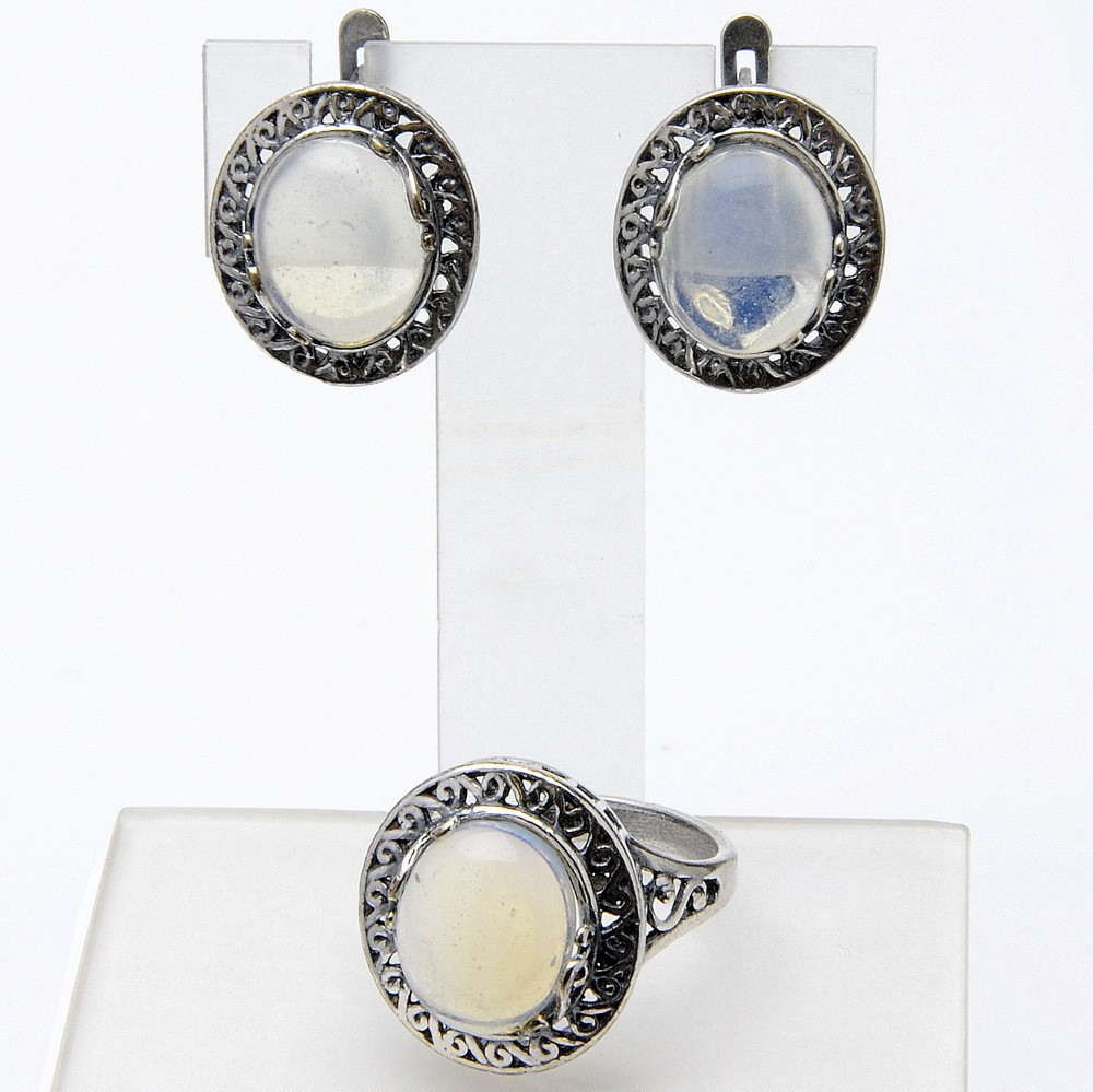 Комплект Беатрис   лунный камень, Бусики-Колечки